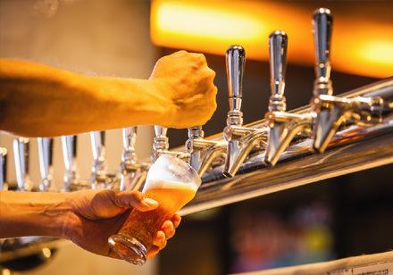 ラウンジオープン(クラフトビール)